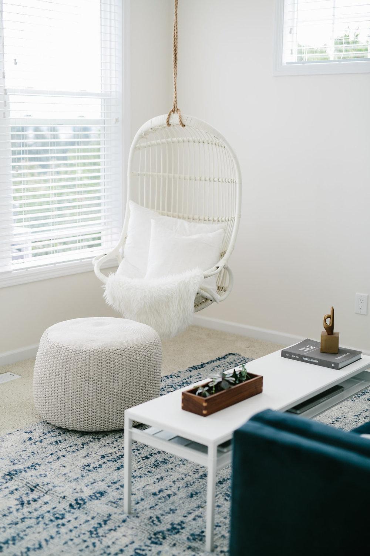 elegant-simplicity-seattle-full-service-interior-design-styling-design-accessorizing-decor.jpg