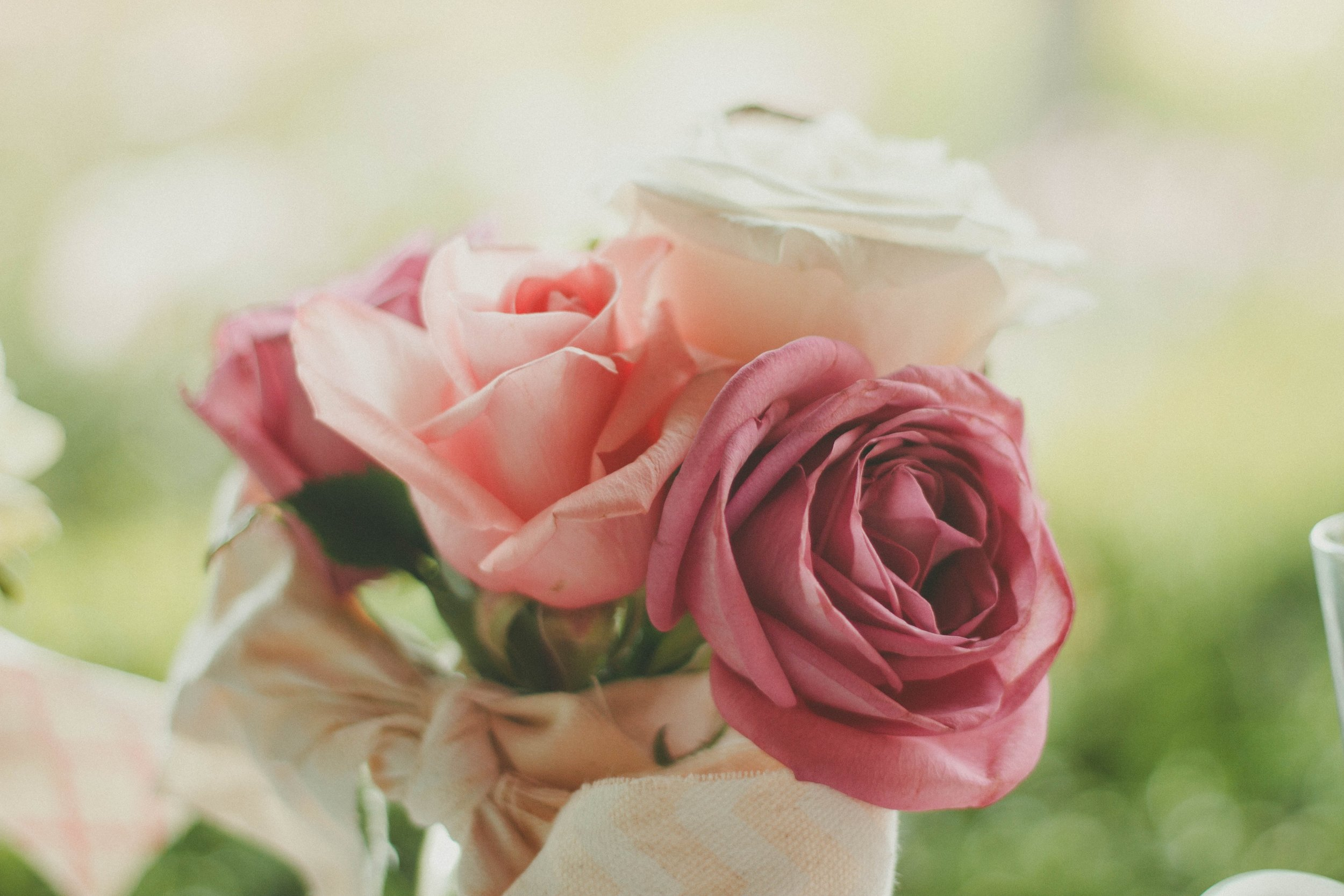 I Love You Flower Heart Wreath Purse Bag Hanger Holder Hook