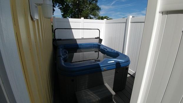 Bridal Hot Tub.jpg