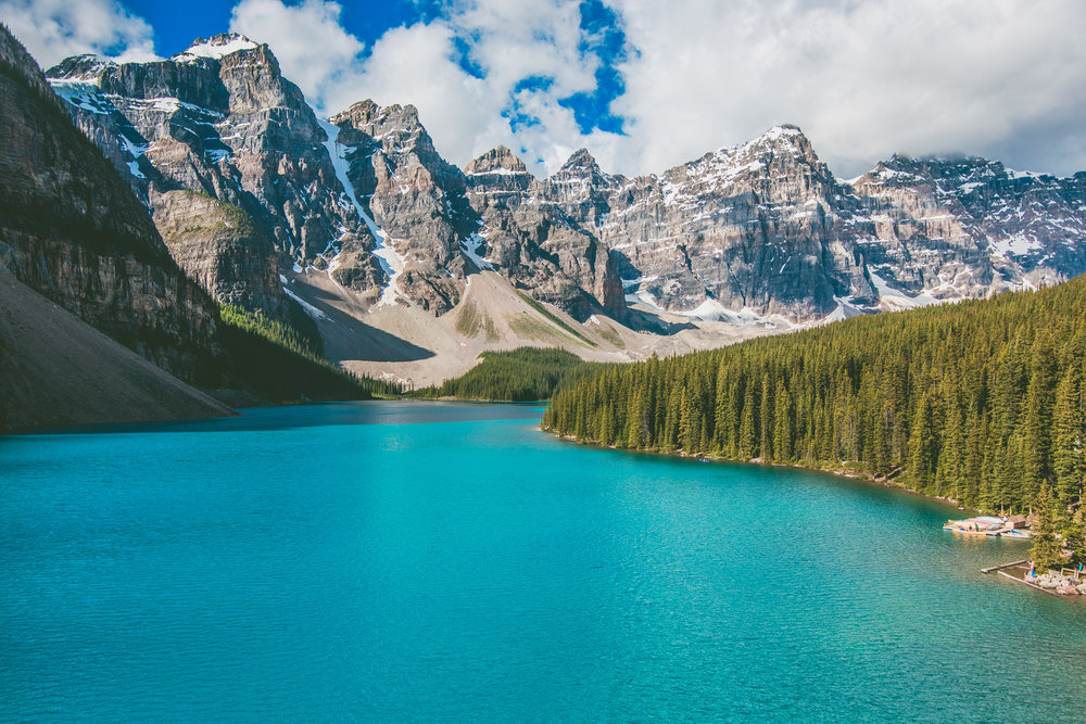 5 Must-Visit Spots in Banff and Jasper National Parks in Alberta, Canada // www.readysetjetset.net #readysetjetset #alberta #canada #banff #jasper