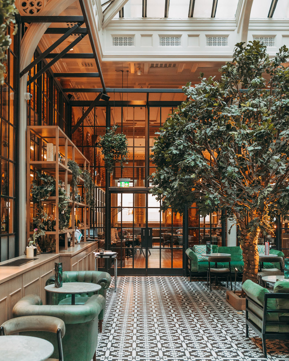 The Refuge in Manchester // 11 INSTAGRAM-WORTHY PHOTO SPOTS IN MANCHESTER, ENGLAND // www.readysetjetset.net #readysetjetset #manchester #england #uk #unitedkingdom #cityguide #travel