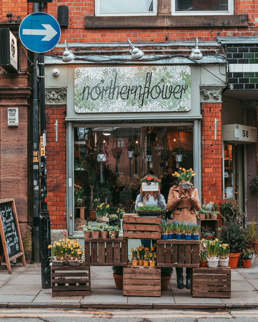 Northern Flower, a flower shop in the Northern Quarter of Manchester // 11 INSTAGRAM-WORTHY PHOTO SPOTS IN MANCHESTER, ENGLAND // www.readysetjetset.net #readysetjetset #manchester #england #uk #unitedkingdom #cityguide #travel