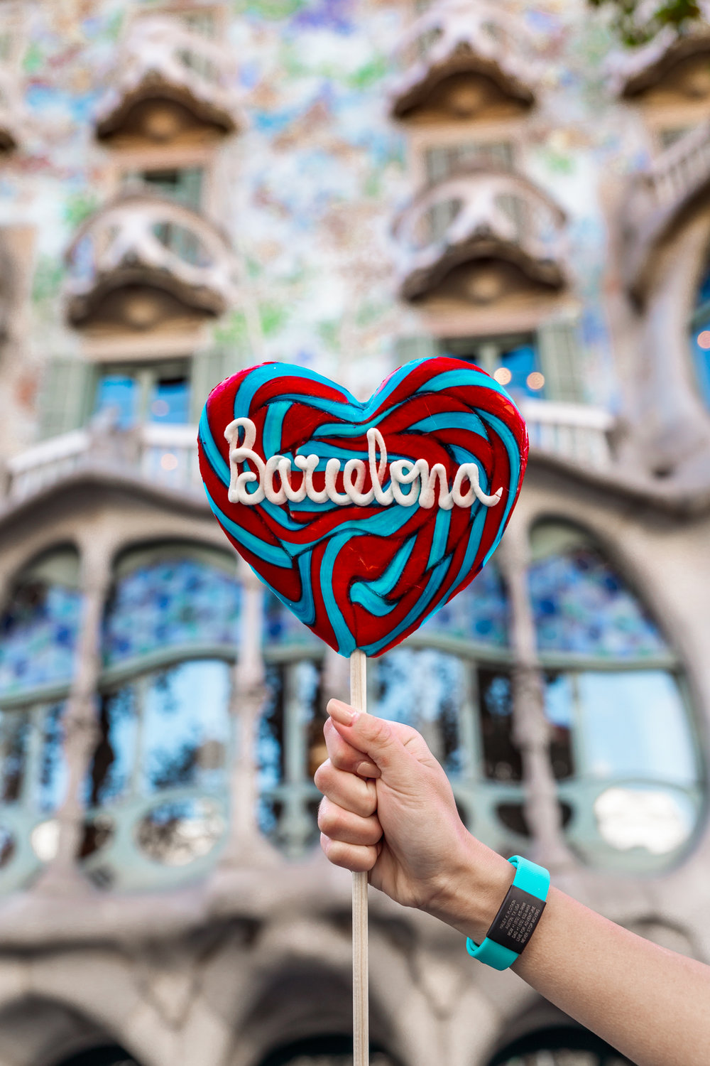 The 25 Most Instagrammable Spots in Barcelona (With Addresses!) // www.readysetjetset.net #readysetjetset #barcelona #spain