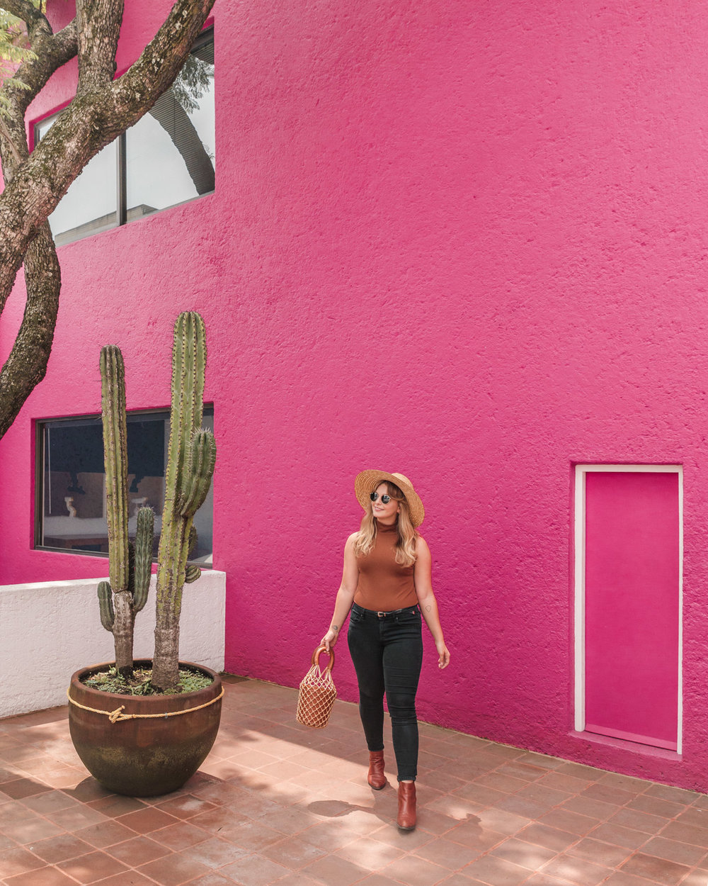 Pink walls at Casa Gilardi // The Most Instagrammable Spots in Mexico City #readysetjetset