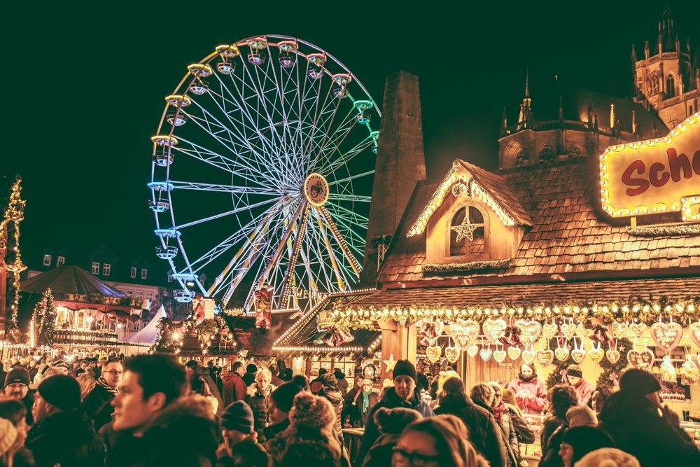 Erfurt Christmas Market at night // German Christmas Markets and Beyond: A Trip to Thuringia in December