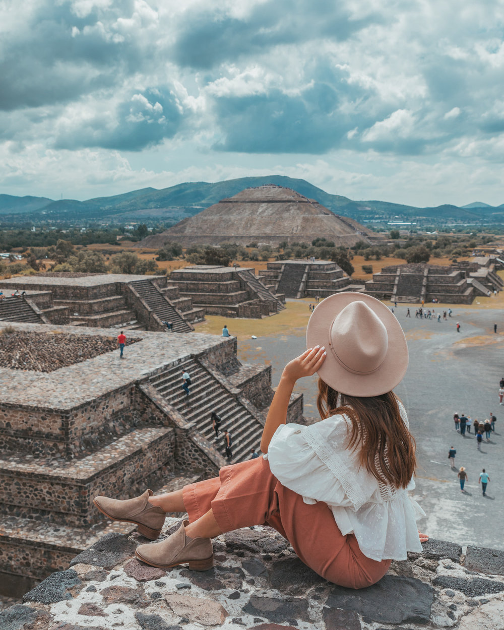 The Moon Pyramid at Teotihuacán // The Most Instagrammable Spots in Mexico City #readysetjetset