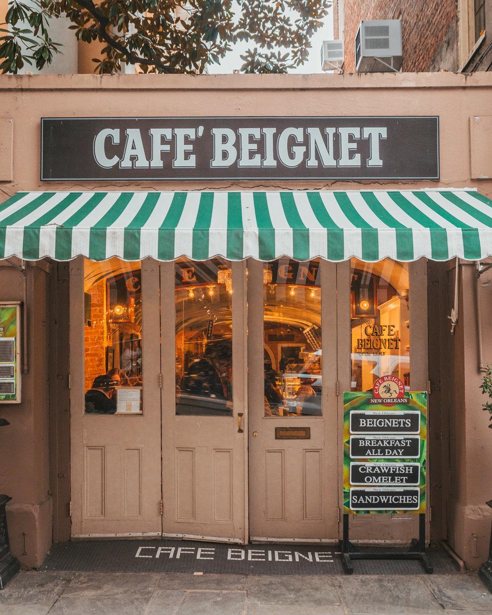 Cafe Beignet cute storefront // The Most Instagrammable Spots in New Orleans // #readysetjetset www.readysetjetset.net