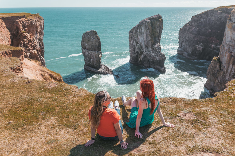 Stack Rocks in Pembrokeshire // The Most Beautiful Places to Visit in Wales // #readysetjetset #wales #uk #welsh #travel #photospots #blogpost