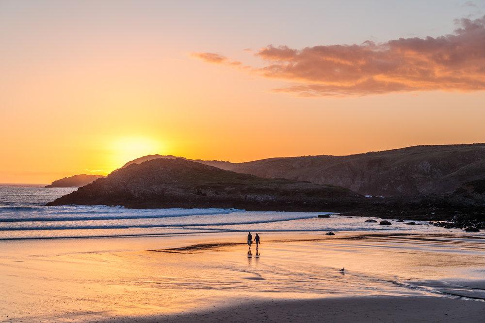 St Davids Whitesands Beach sunset // The Most Beautiful Places to Visit in Wales // #readysetjetset #wales #uk #welsh #travel #photospots #blogpost