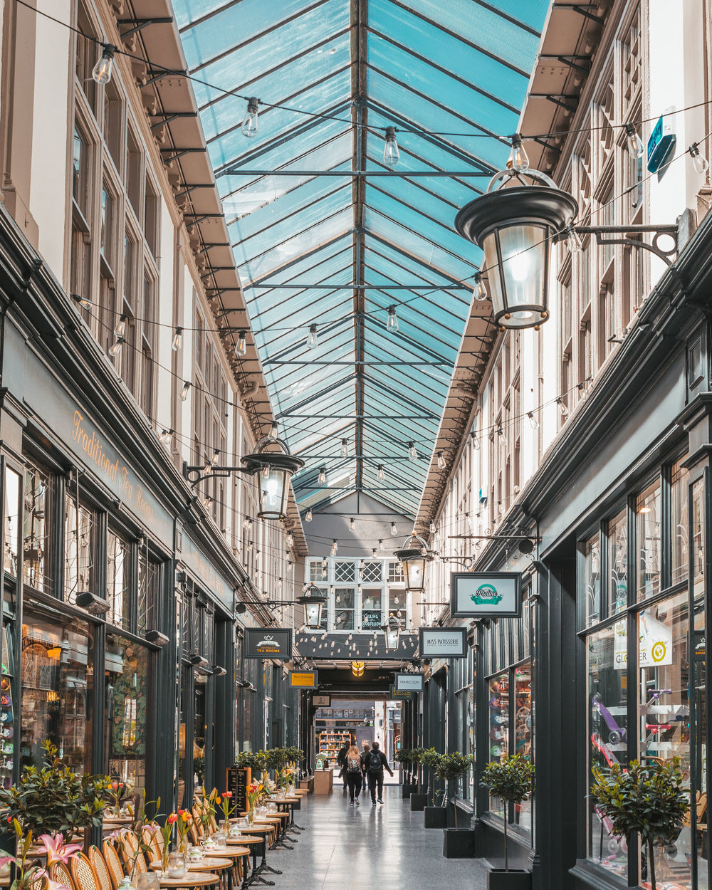 Cardiff arcade // The Most Beautiful Places to Visit in Wales // #readysetjetset #wales #uk #welsh #travel #photospots #blogpost