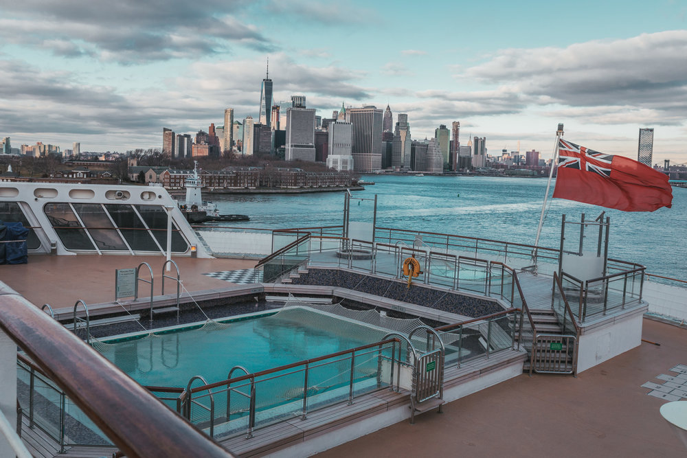 Departing the port of Brooklyn on the QM2 // Transatlantic Cruising on the Cunard Queen Mary 2 #readysetjetset