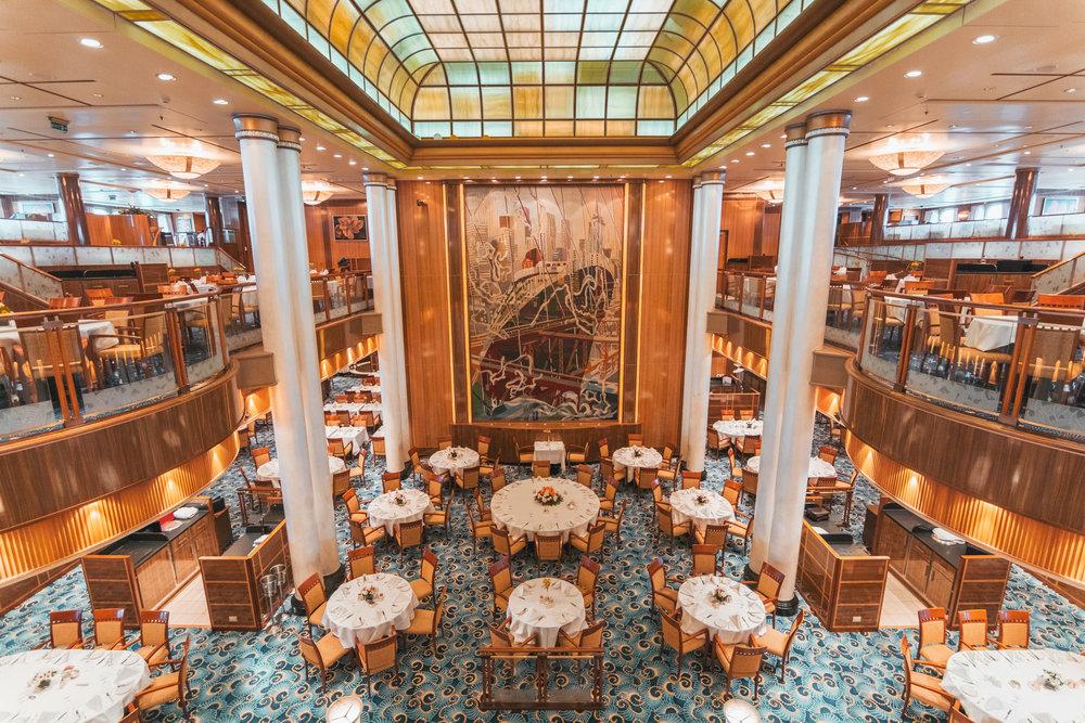 Britannia Dining Room on the QM2 // Transatlantic Cruising on the Cunard Queen Mary 2 #readysetjetset