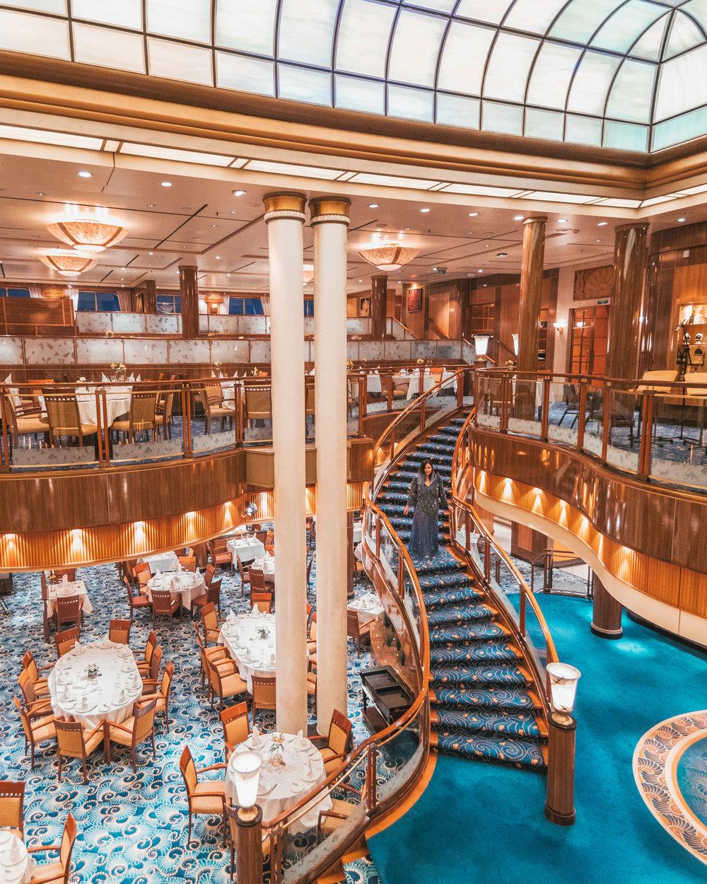 Britannia dining room // Transatlantic Cruising on the Cunard Queen Mary 2 #readysetjetset