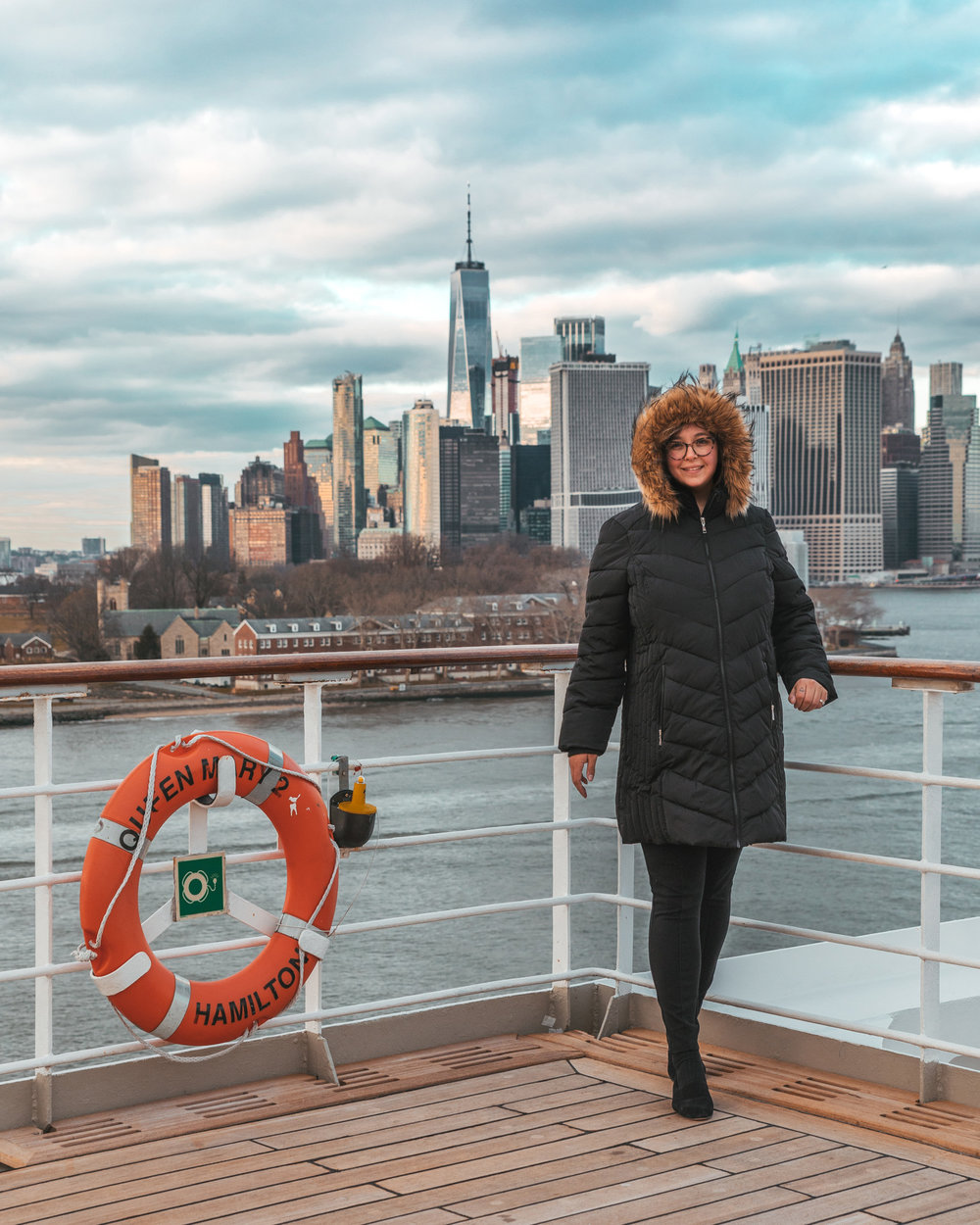 The Manhattan skyline from the Queen Mary 2 // Transatlantic Cruising on the Cunard Queen Mary 2 #readysetjetset