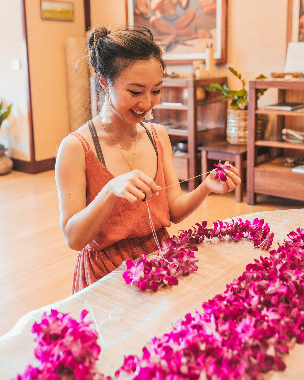 Lei making at the cultural center // A Luxury Stay on the Big Island: Four Seasons Resort Hualalai // #readysetjetset #hawaii #bigisland #luxuryhotels #beachresorts #usa #travel