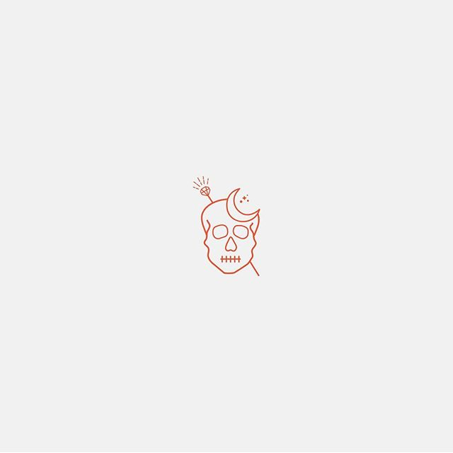 Little icon for a OOAK branding kit I'm designing over at @forthandcreate 💀