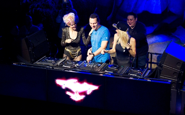 14 Tiesto and Nervo bond behind the boards.jpg