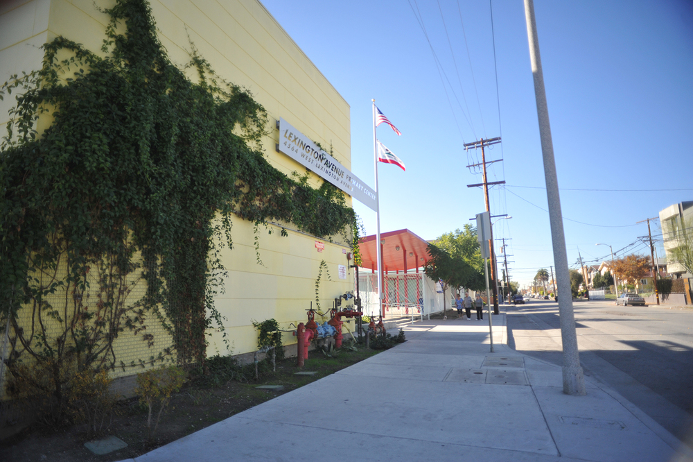 The scheme for this LAUSD primary school consists of two main built structures-the two story classroom/ administration building with parking below, and the one-storymultipurpose building.