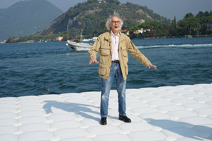 Christo is obviously delighted as the piers undulate with the movement of the waves