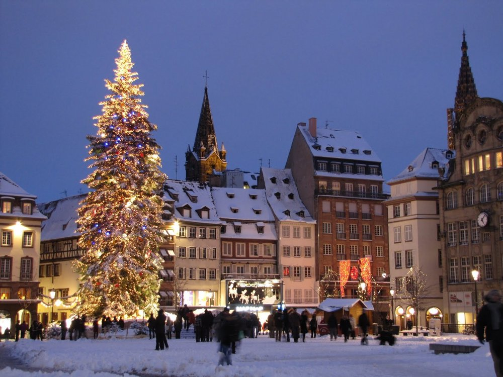 Strasbourg_Christmas_Market.jpg