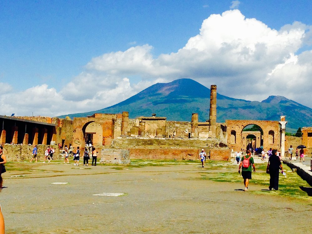 Mount V Pompeii