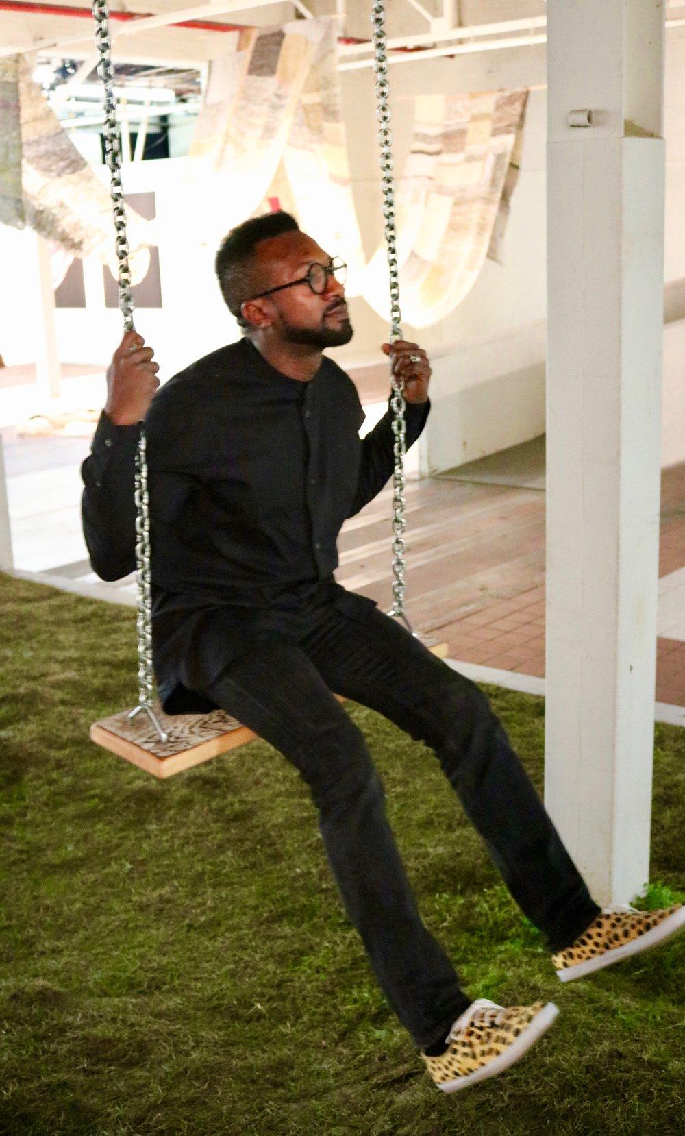 Darrin Swingin'
