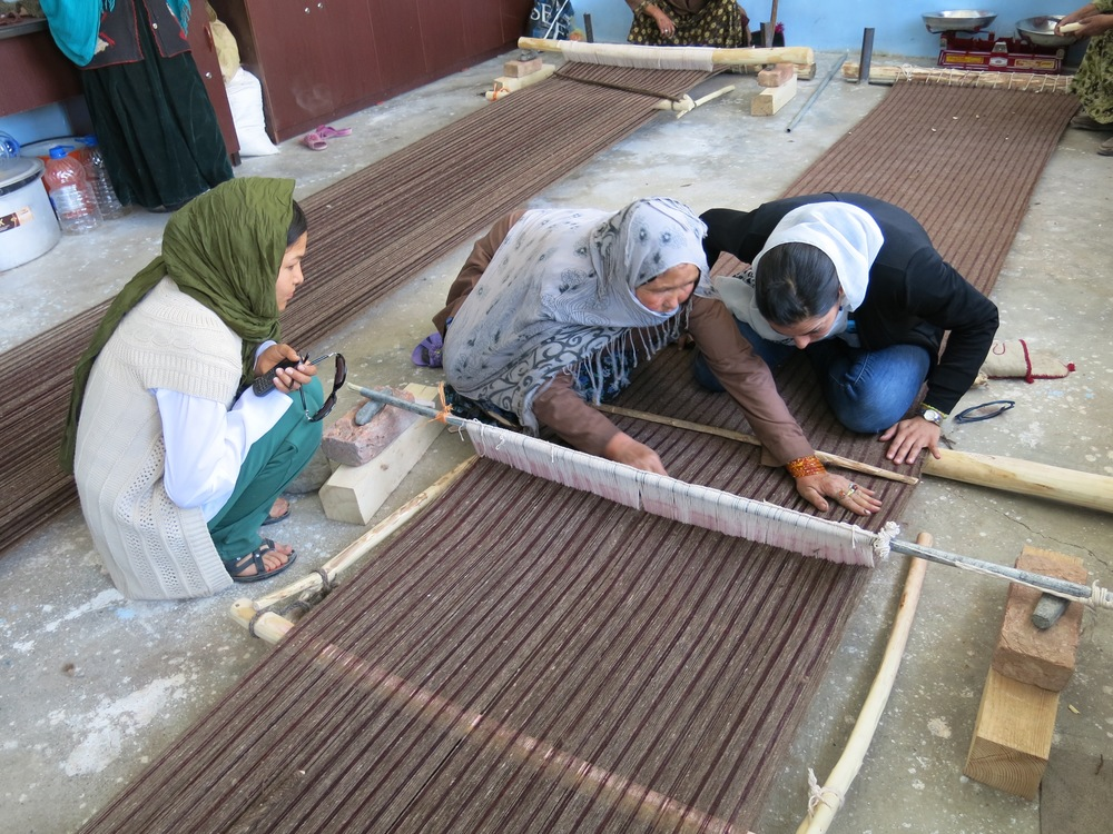 Investigation of local traditional wool weaved fabric.  Bamiyan
