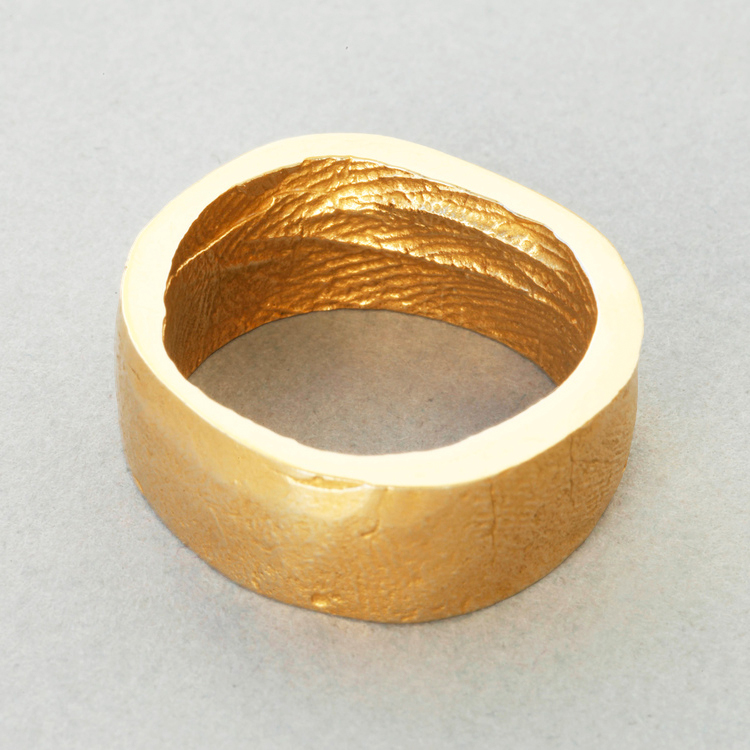 18ct_Yellow_Gold_'broad'_buffed_exterior_surface_Patrick_Laing_You_&_Me_wedding_rings.jpg