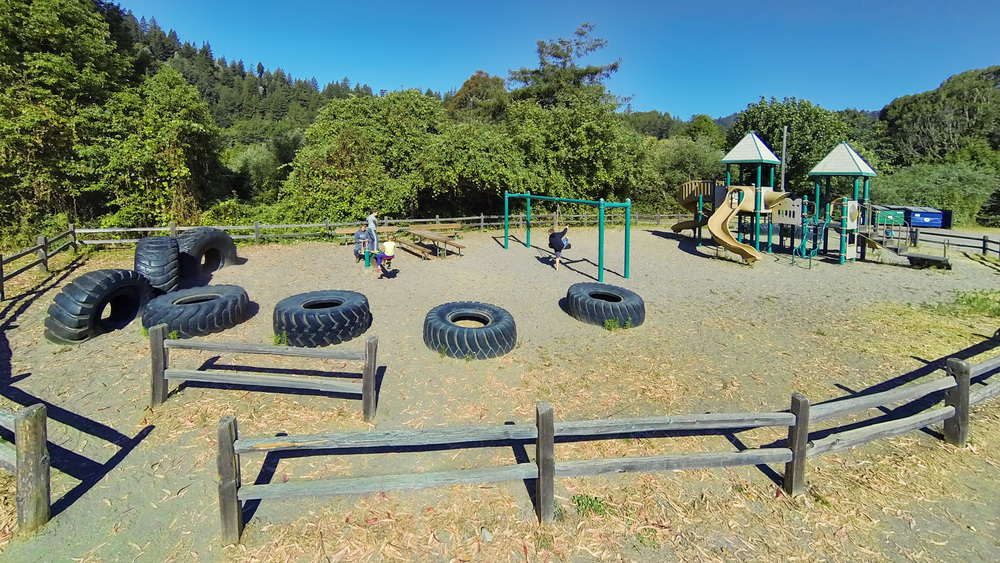 Playground_GOPR9355.jpg