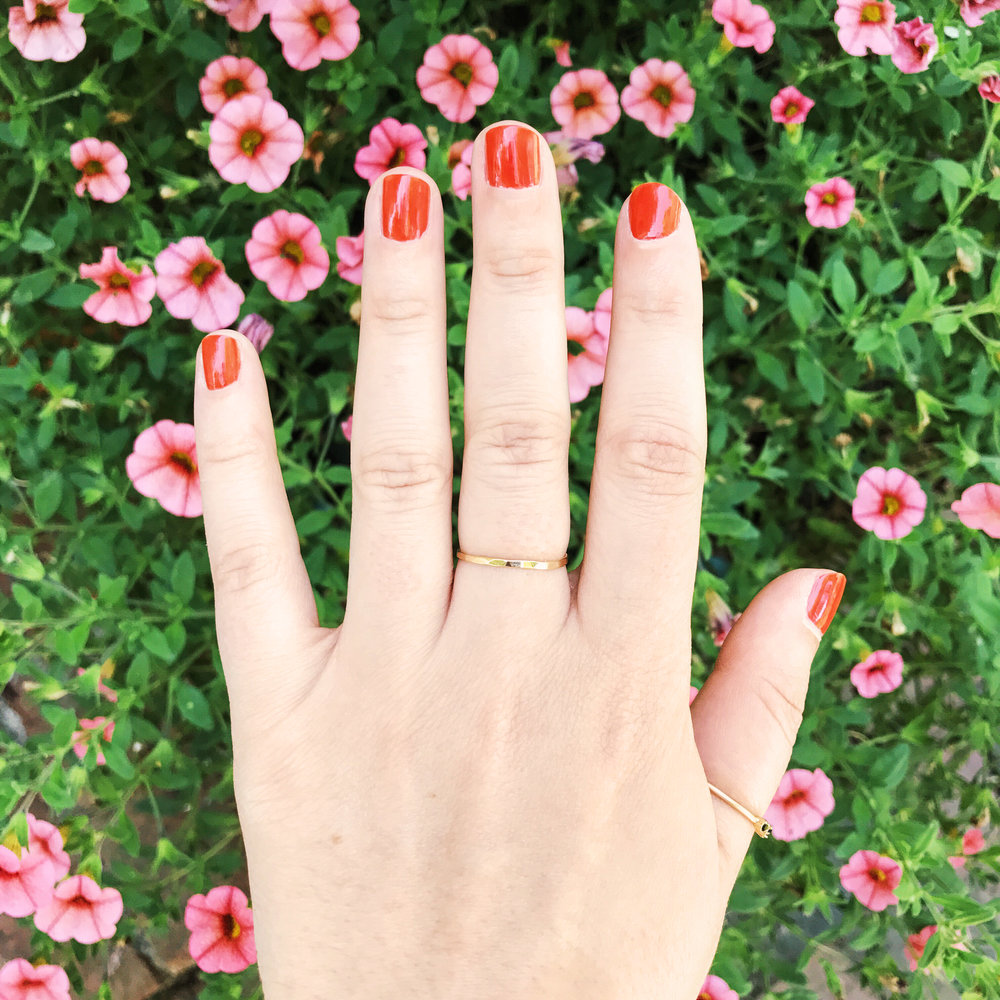 red_nails_flowers.jpg