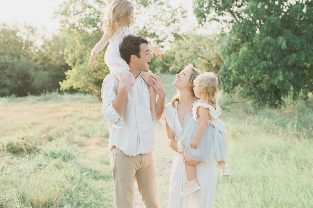 See the full sweet Kiltz family session  here!