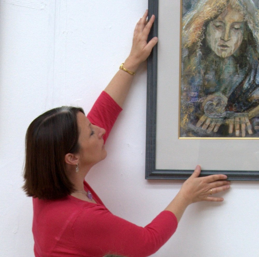 Hanging the Dublin Painting and Sketching Club show 2013 at the Concourse, County Hall Dún Laoghaire