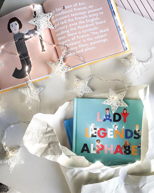 🄻🄰🄳🅈 🄻🄴🄶🄴🄽🄳🅂💫 @alphabetlegends book that shows girls they can grow up to be anything they want to be! Each female featured is celebrated with an alphabet illustration and short story about how they changed the world. 🌍 ᴛʜɪɴᴋ ʙɪɢ, 𝙙𝙧𝙚𝙖𝙢 𝙗𝙞𝙜𝙜𝙚𝙧 ✨