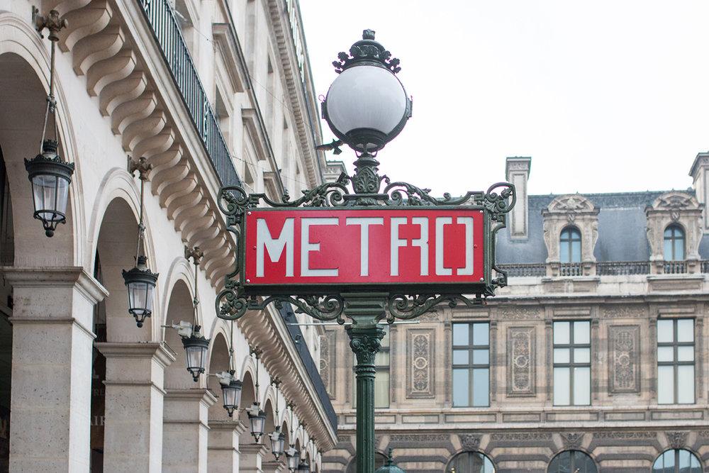 Paris Metro @rebeccaplotnick
