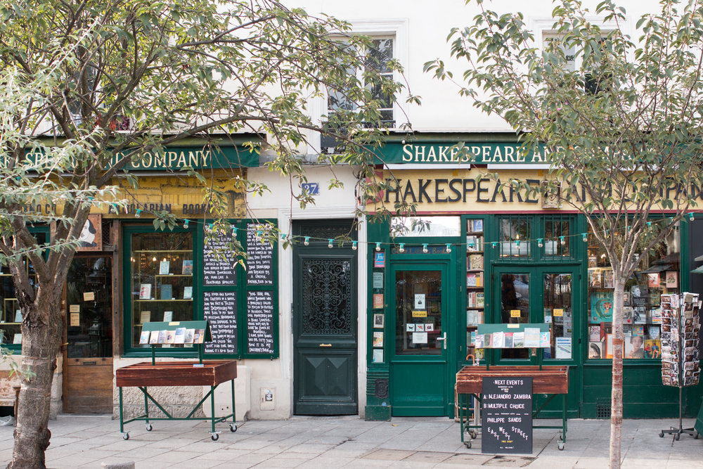 Shakespeare and Co Paris, France @rebeccaplotnick