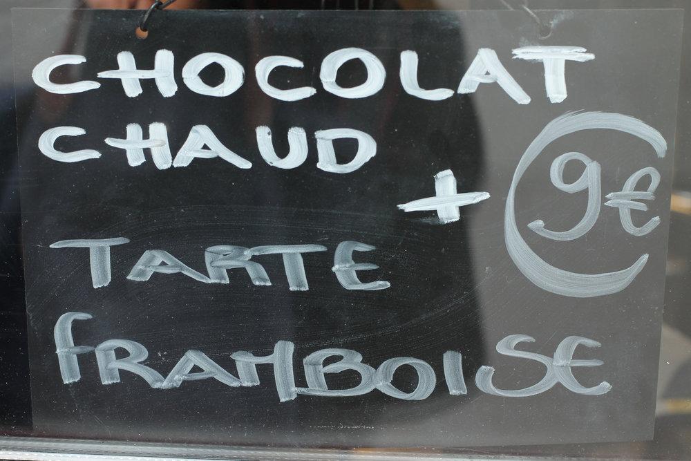 chocolat chaud paris sign