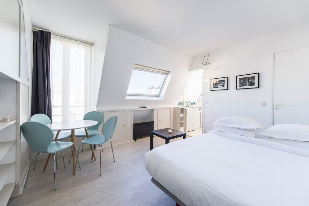 lovely renovated studio by the eiffel tower