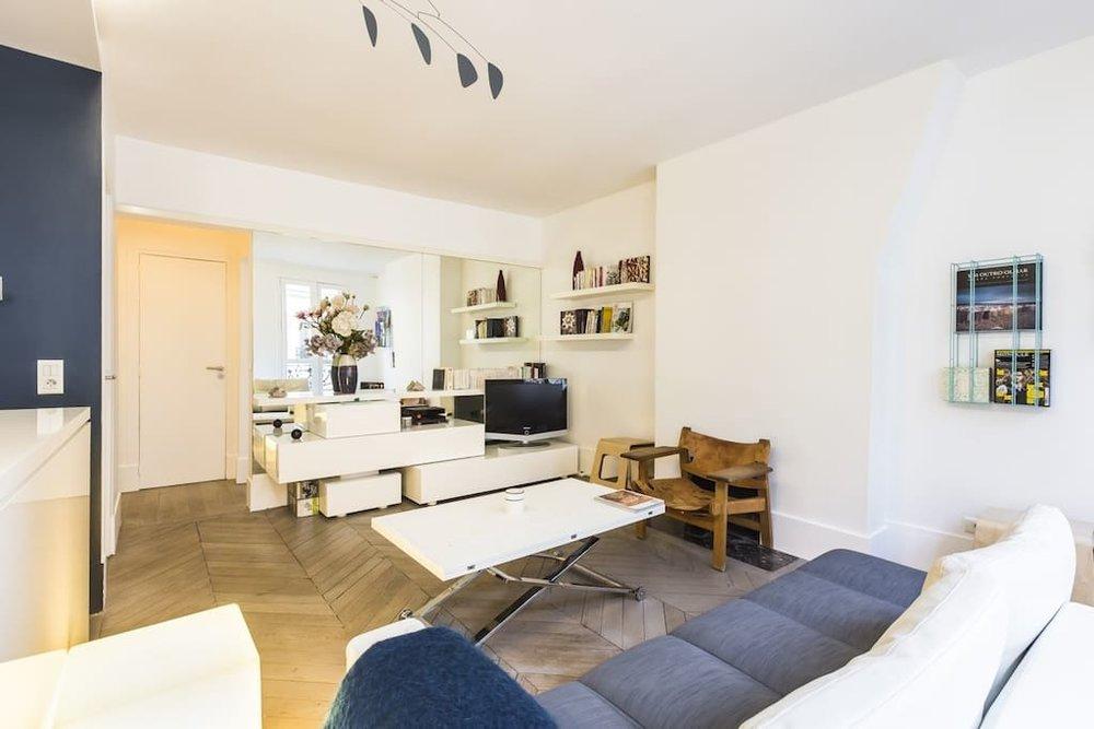 rue montorgueil airbnb apartment