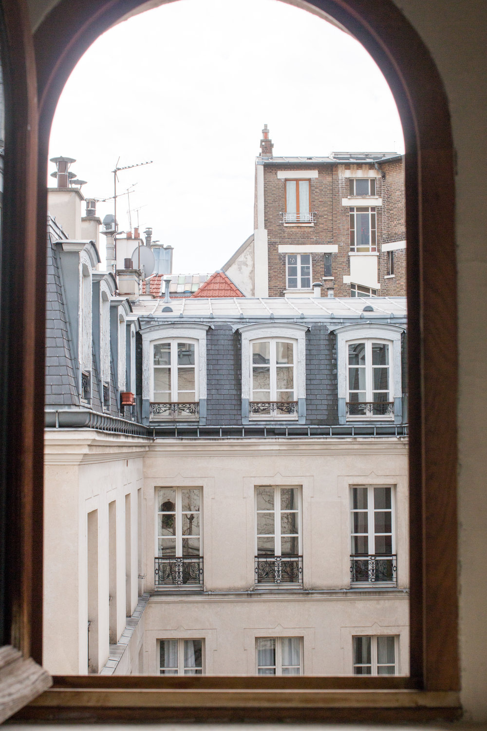 parisian apartment in the marais by rebecca plotnick