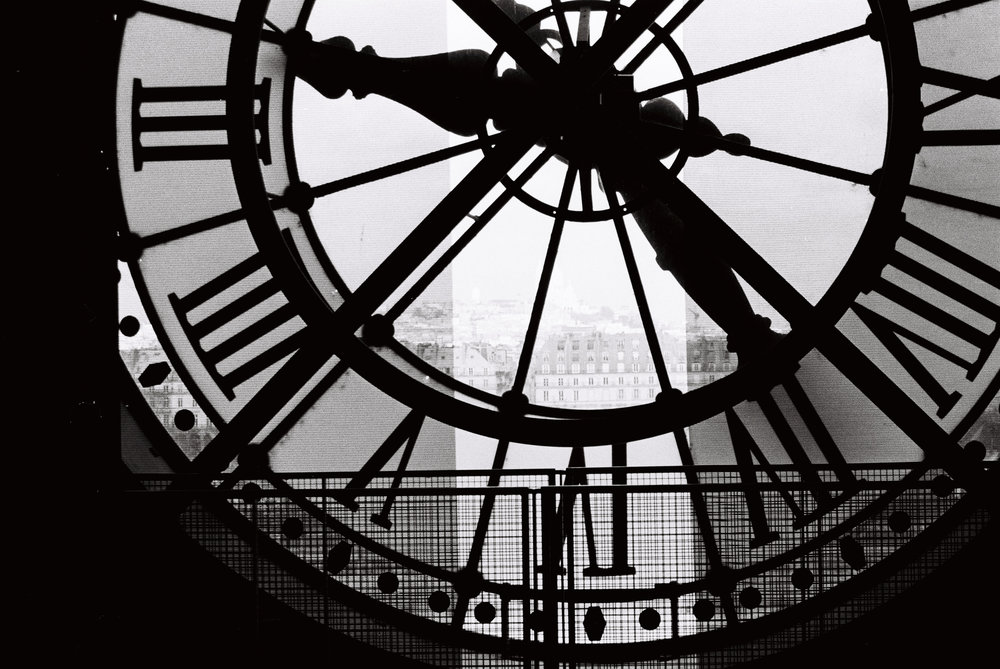 paris black and white clock