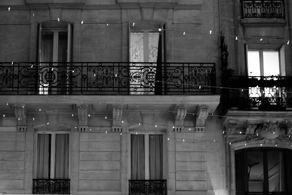 ile st louis paris black and white