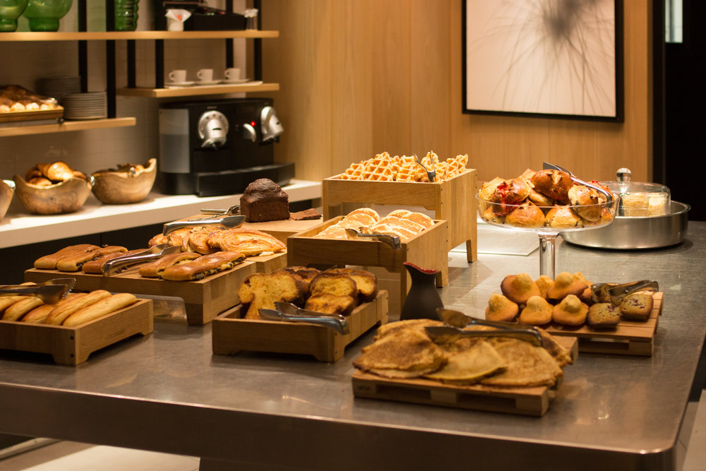 le cinq codet breakfast paris, france