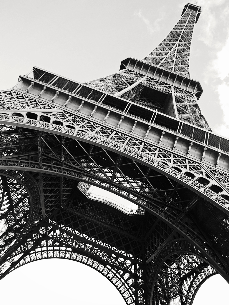 paris black and white eiffel tower