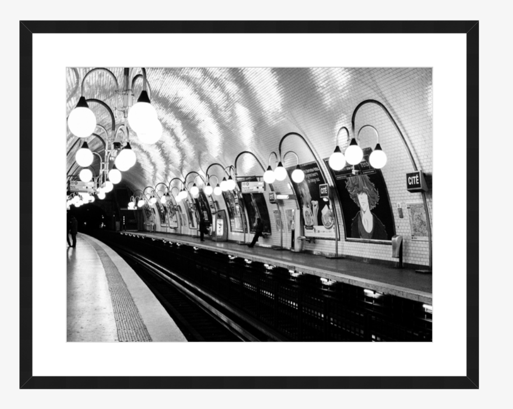 paris metro photo