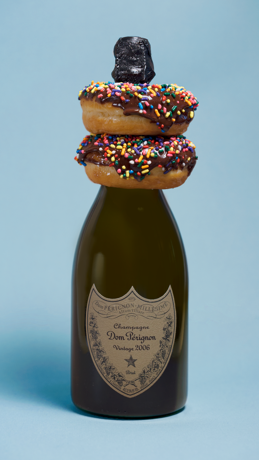 Champagne-Donuts_DomPerignon_Blue_MollieAbleman_VasiliGavre.png