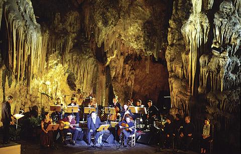 Nerja caves 1.jpg