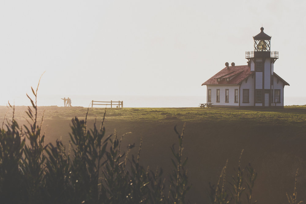 visit_mendocino_cabrillo_lighthouse_feature.jpg