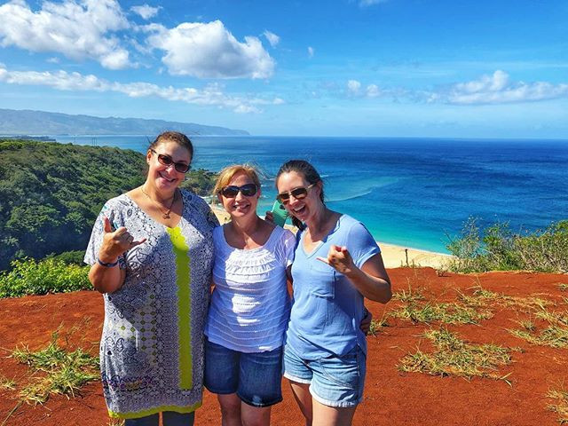 Happy touring seeing sacred Oahu on a private FULL day tour!  It's nice having a professional photographer as your guide. 📸 Al🐢ha #alohaturtletours #hawaii #phototours #oahuiphonetours #aloha