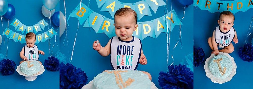 Berks County Pennsylvania one year birthday cake smash photographer photoshoot