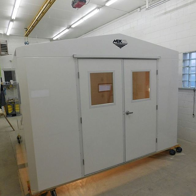 "801129  Tennessee  12' x 12' x 7'8"" insulated FRP building - White high gloss exterior - R11 Insulation - Open bottom - One ea - 6'0 x 7'0  grade II double door - One ea - 3'0 x 7'0 grade II single door - One ea - 36"" x 36"" window - 13,680Btu heavy duty wall heater - 10"", 285 cfm galvanized exhaust fan - 10"" x 10"" galvanized gravity intake damper - Two ea - 48"" LED vapor tight  light fixtures - Interior receptacle - Structural design calc's sealed by a PE in the state of TN"